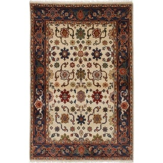 eCarpetGallery  Hand-knotted Serapi Heritage Cream Wool Rug - 4'0 x 6'1