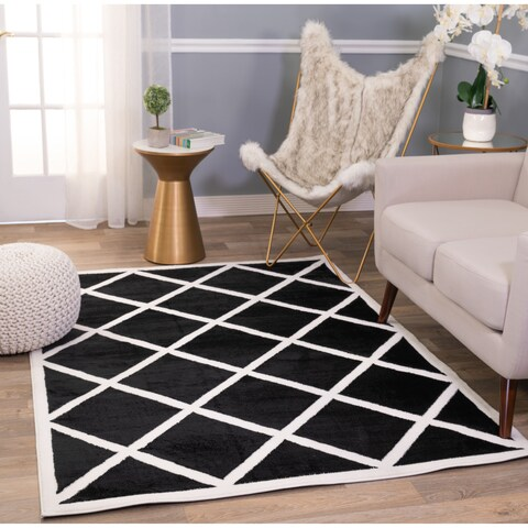 Carson Carrington Fana Geometric Diamond Trellis Soft Area Rug
