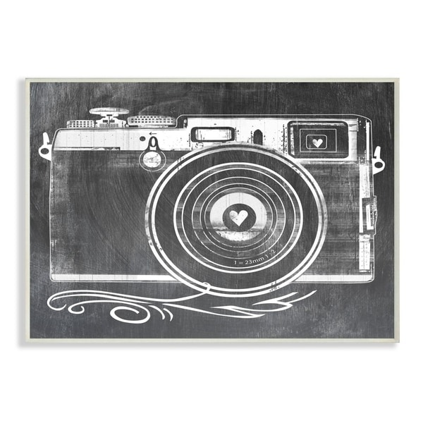 The Stupell Home Decor Black and White Lithograph Look Camera with Heart Lens, 10 x 15, Proudly Made in USA - 10 x 15
