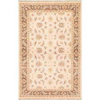 eCarpetGallery  Hand-knotted Peshawar Oushak Cream Wool Rug - 4'1 x 6'4