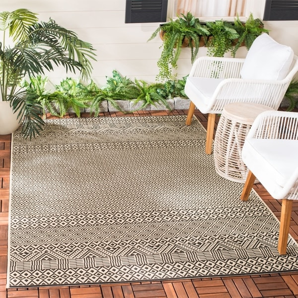 Safavieh Courtyard Velia Indoor/ Outdoor Rug   8' X 11'   Beige/Black by Safavieh