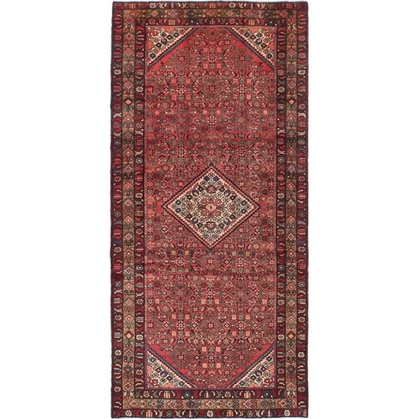 eCarpetGallery Hand-knotted Hosseinabad Red Wool Rug - 4'5 x 9'6
