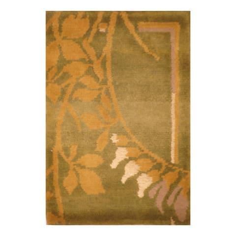 Handmade Tibetan Wool Rug (India) - 1'4 x 2'1