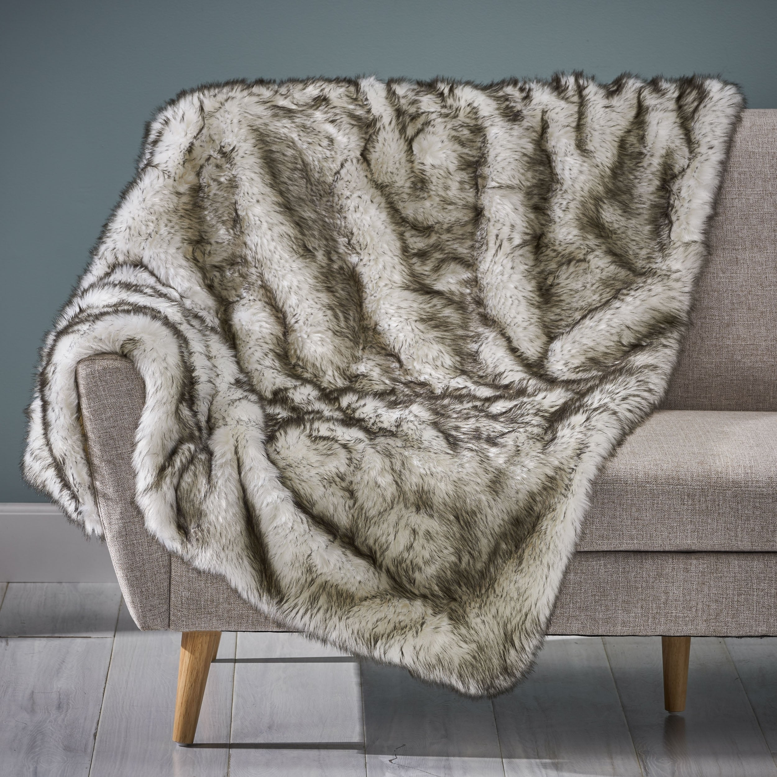 Warrin Streak Faux Fur Throw Blanket By Christopher Knight Home On Sale Overstock 27888511 Black White White