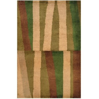 Handmade Tibetan Wool Rug (India) - 2'7 x 4'
