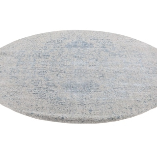 "Shahbanu Rugs Jacquard Hand-Loomed Silken Grey Broken Persian Heriz Design Round Rug (5'10"" x 5'10"") - 5'10"" x 5'10"""