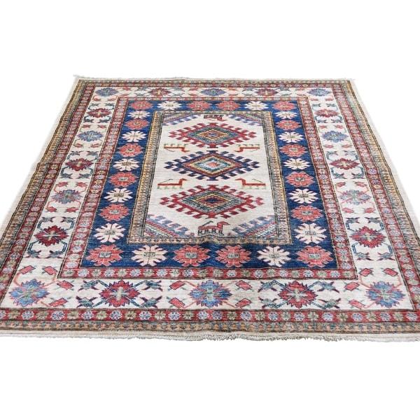 "Shahbanu Rugs Ivory Super Kazak Pure Wool Hand-Knotted Oriental Rug (4'10"" x 6'1"") - 4'10"" x 6'1"""