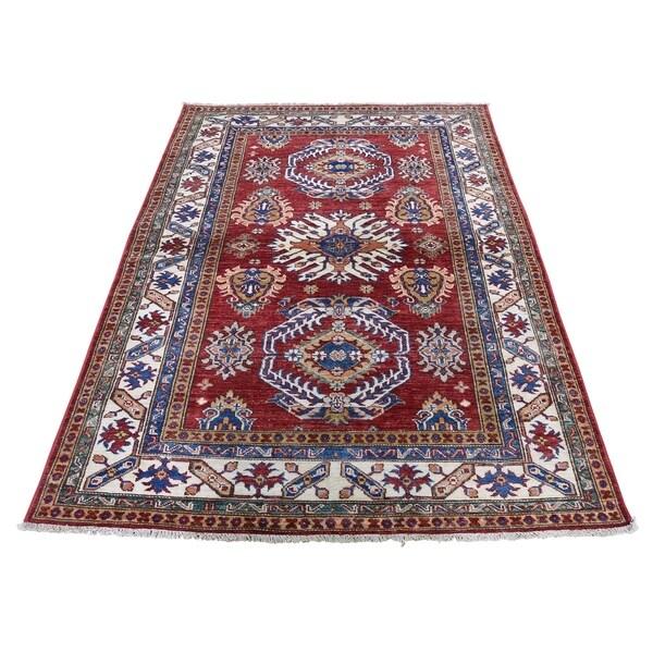 "Shahbanu Rugs Red Super Kazak Pure Wool Geometric Design Hand-Knotted Oriental Rug (4'2"" x 6'0"") - 4'2"" x 6'0"""