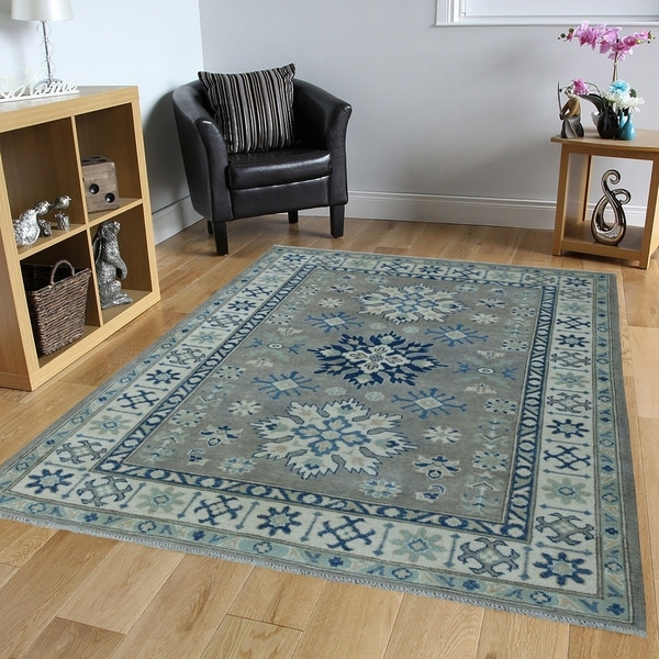 "Shahbanu Rugs Gray Hand-Knotted Vintage Look Kazak Pure Wool Oriental Rug (4'0"" x 5'7"") - 4'0"" x 5'7"""