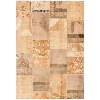 eCarpetGallery  Hand-knotted Vintage Anatolia Patch Khaki Wool Rug - 6'10 x 10'0