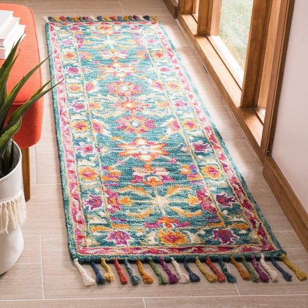 Safavieh Handmade Aspen Bohemian & Eclectic Floral & Botanical Turquoise/Purple Wool Rug