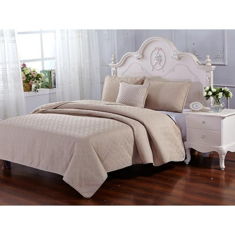 4-Piece Beautiful Solid Embroidered Design Reversible Quilt Bedspread Set