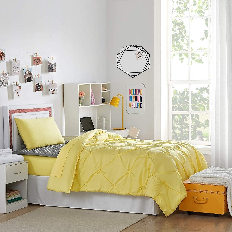 Porch Den Biles Limelight Yellow Pin Tuck Twin Xl Dorm Room Bedding Set Overstock 27994437