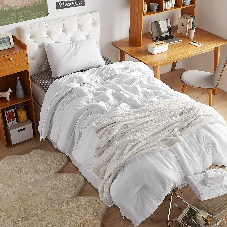 Porch Den Harwell White Twin Xl Essential Dorm Bedding Set On Sale Overstock 27994451
