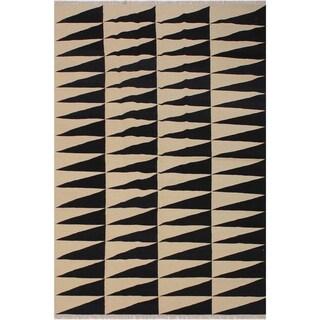 "Kilim Armandin Ivory/Black Hand-Woven Wool Rug -5'6 x 8'2 - 5'6"" x 8'2"""