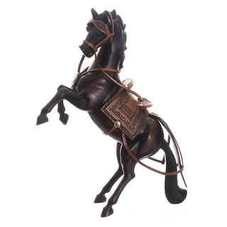 Handmade Cedar Wood Hand Carved Spirited Horse Sculpture (Peru)