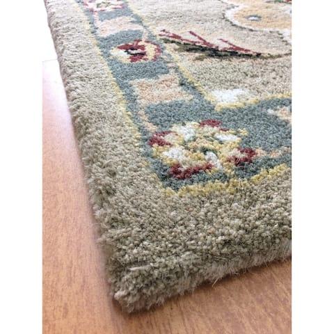 Persian-style Green Handmade Wool Indoor Area Rug - 5' x 8'