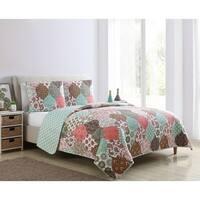 VCNY Home Wonderland Reversible Patchwork Quilt Set