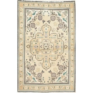 "Muted Tabriz Hand Knotted Wool Oriental Persian Area Rug - 5'1"" x 3'3"""