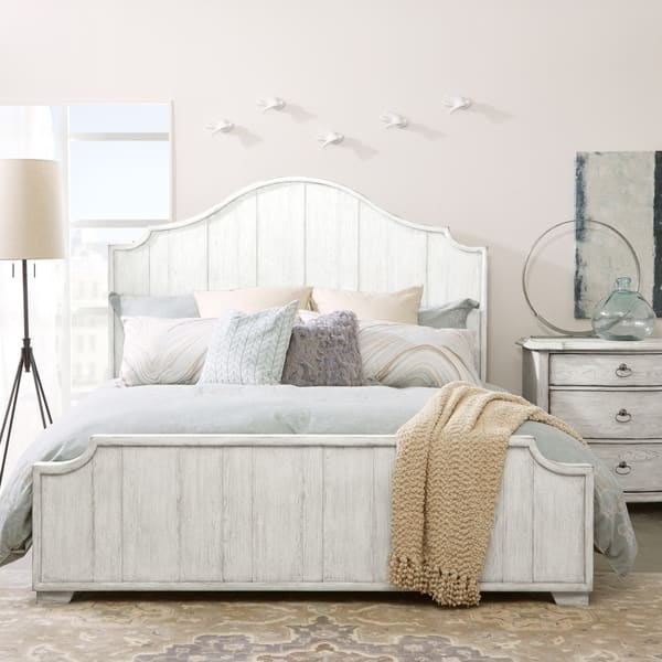 Montauk Antique White Distressed Bed On Free