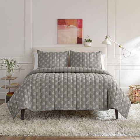 Lemon Tree Serena Light Gray Quilt Set