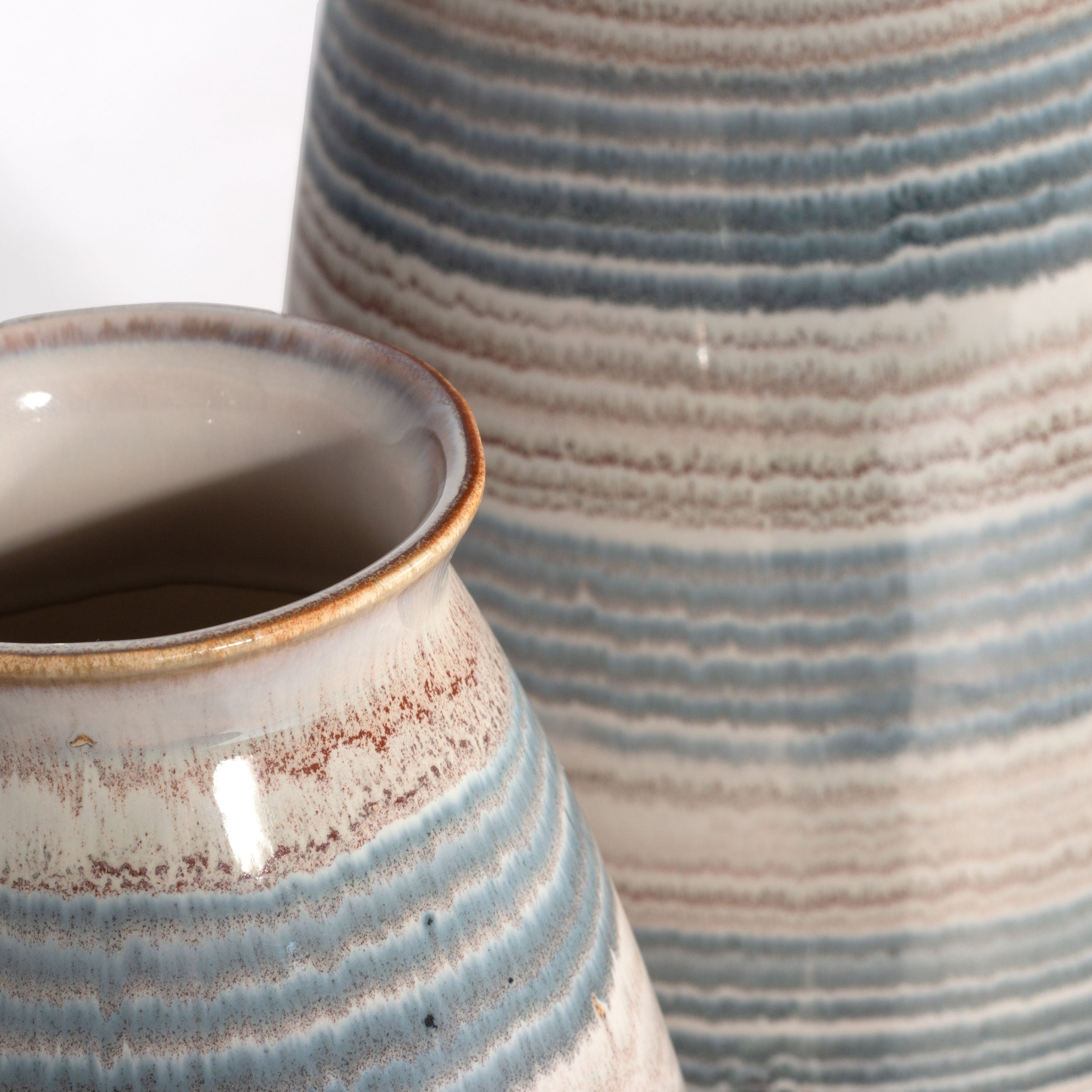 Delta Ceramic Table Vase Overstock 28096561
