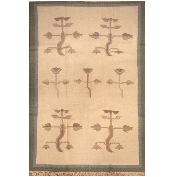 Handmade One-of-a-Kind Wool Kilim (India) - 4' x 5'10