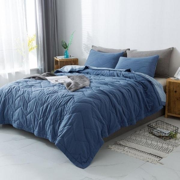 Kasentex Luxury Reversible Quilt Set with Contemporary Horizontal Chevron Design, Microfiber Soft Bedding