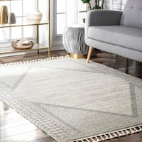 nuLOOM Traditional Outdoor Medallion Tassel Mozelle Area Rug
