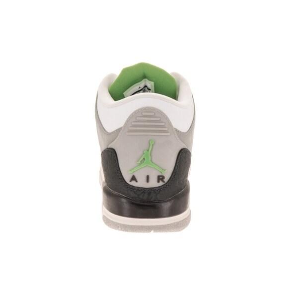 competitive price 1db6f 7228d Nike Jordan Kids Air Jordan 3 Retro (GS) Basketball Shoe