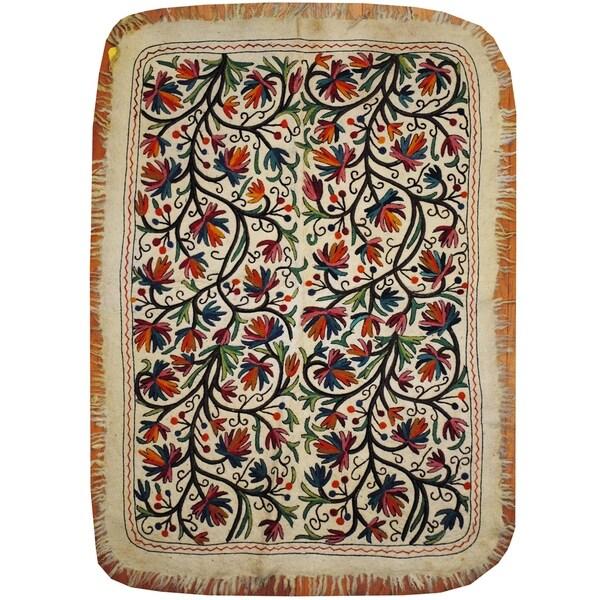 Handmade One-of-a-Kind Uzbek Suzani Namad Wool Kilim (Afghanistan) - 4' x 5'7