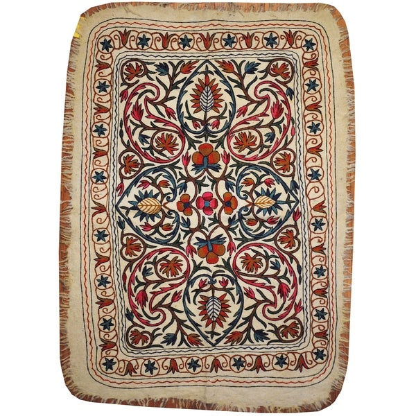 Handmade One-of-a-Kind Suzani Namad Wool Kilim (Uzbekistan) - 4' x 6'