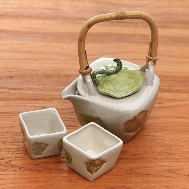 Hibiscus Leaves Stoneware tea set