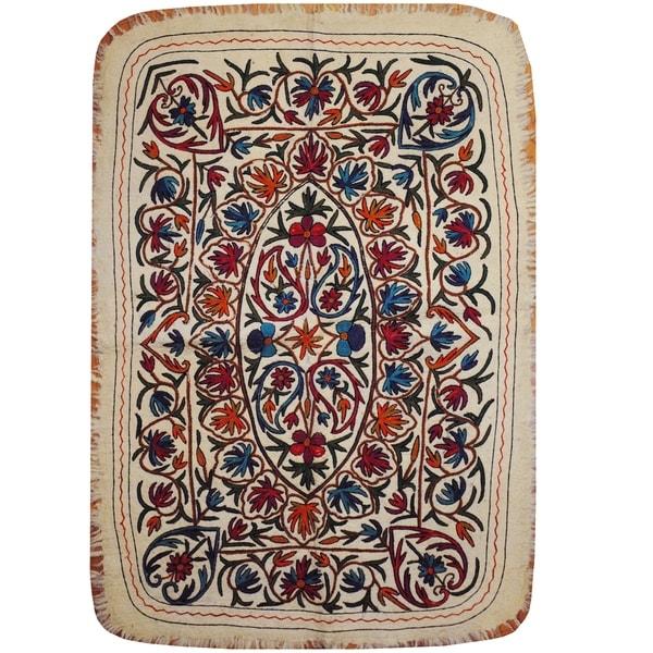 Handmade One-of-a-Kind Uzbek Suzani Namad Wool Kilim (Afghanistan) - 4' x 5'8