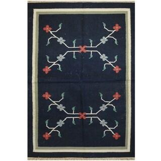 Handmade One-of-a-Kind Wool Kilim (India) - 4'2 x 6'