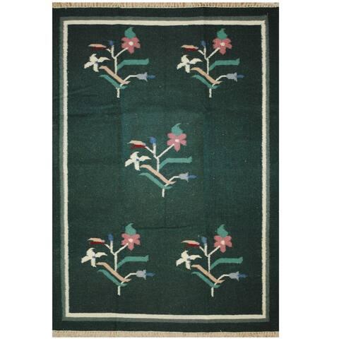 Handmade One-of-a-Kind Wool Kilim (India) - 4'2 x 5'10
