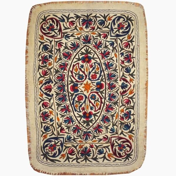 Handmade One-of-a-Kind Suzani Namad Wool Kilim (Uzbekistan) - 4' x 5'9