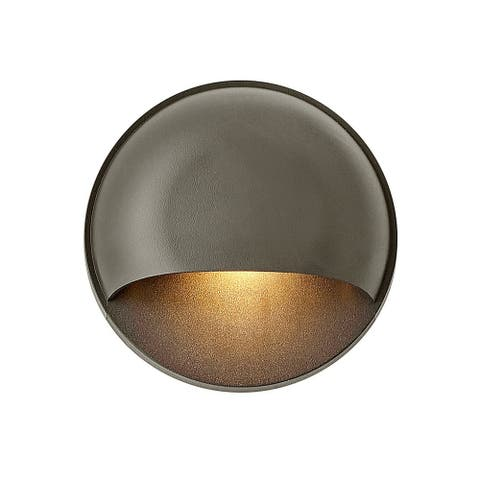 Hinkley Nuvi LED Outdoor Deck Light in Bronze