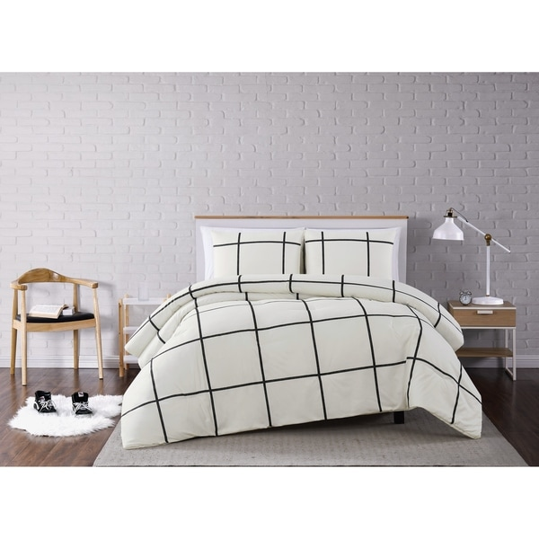 Carson Carrington Tomnas 3-piece Comforter Set. Opens flyout.