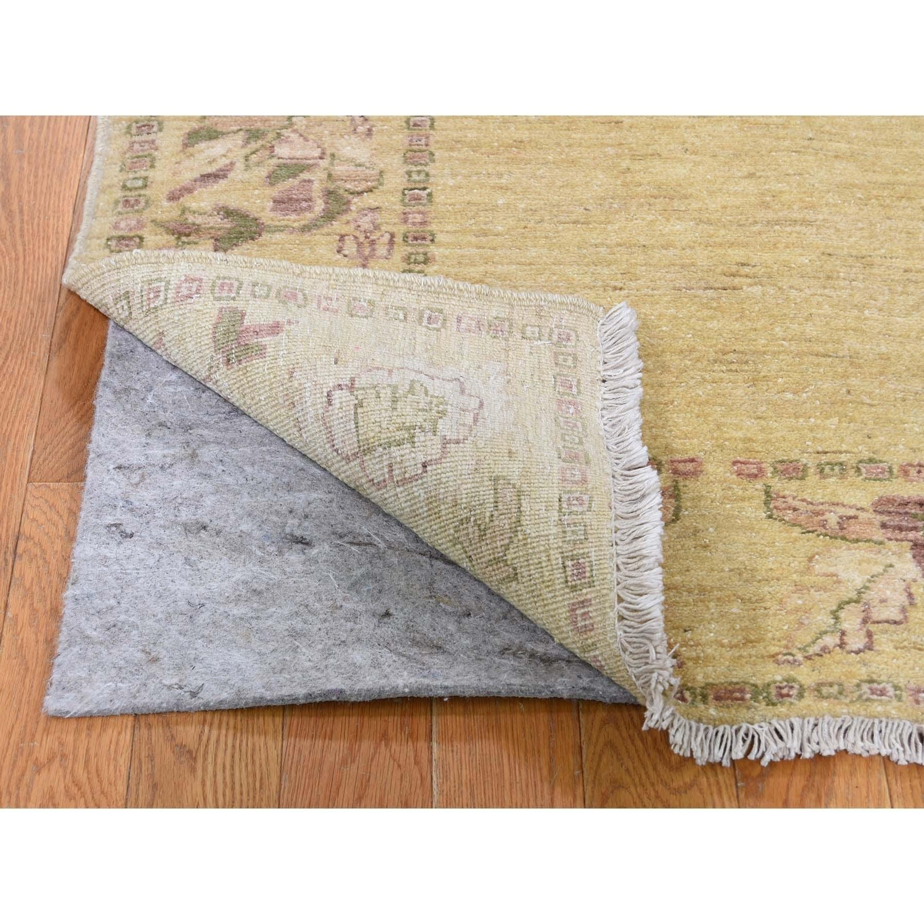 Shahbanu Rugs Pure Wool Peshawar With Plain Field Hand Knotted Runner Oriental Rug 2 10 X 9 8 2 10 X 9 8