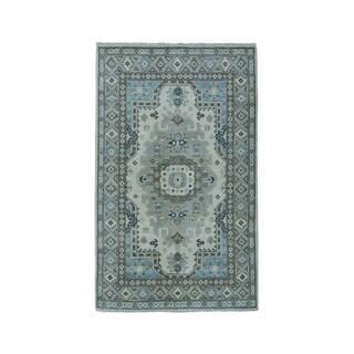 "Shahbanu Rugs Ivory Geometric Deisgn Vintage Look Kazak Pure Wool Hand-Knotted Rug (3'2"" x 4'8"") - 3'2"" x 4'8"""