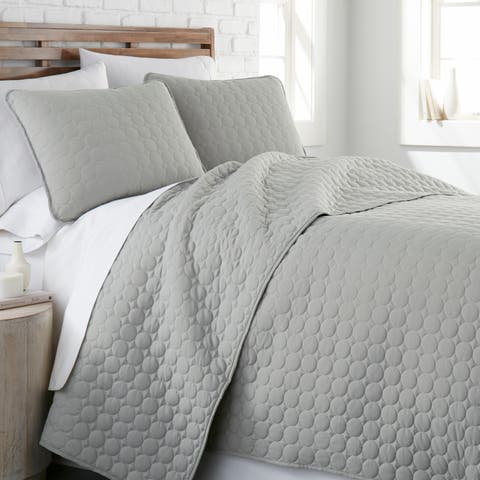 Vilano Ultra-Soft Lightweight 3-piece Quilt and Sham Set