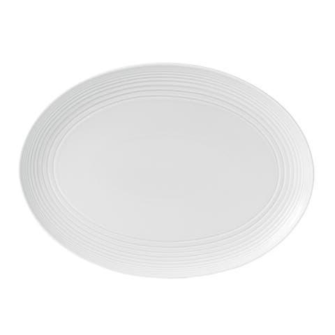 Maze White 17-inch Oval Platter