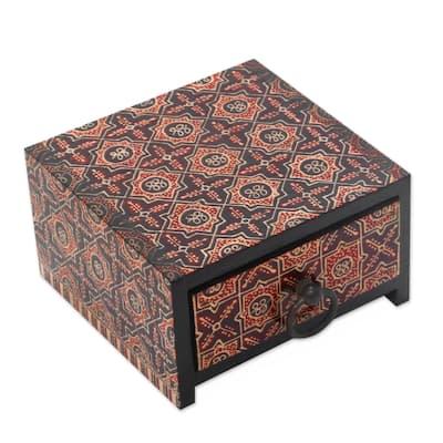 Handmade Ceplok Wonosari I Wood batik jewelry box (Indonesia)