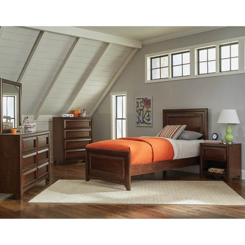 Cassidy Maple Oak 3-piece Panel Bedroom Set with Chest