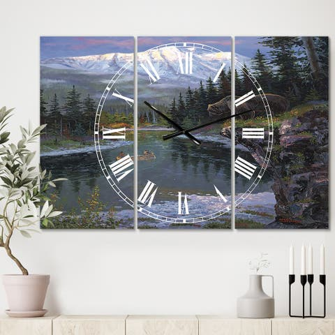Designart 'Southfork Grizzly' Oversized Traditional Wall Clock - 3 Panels - 36 in. wide x 28 in. high - 3 Panels