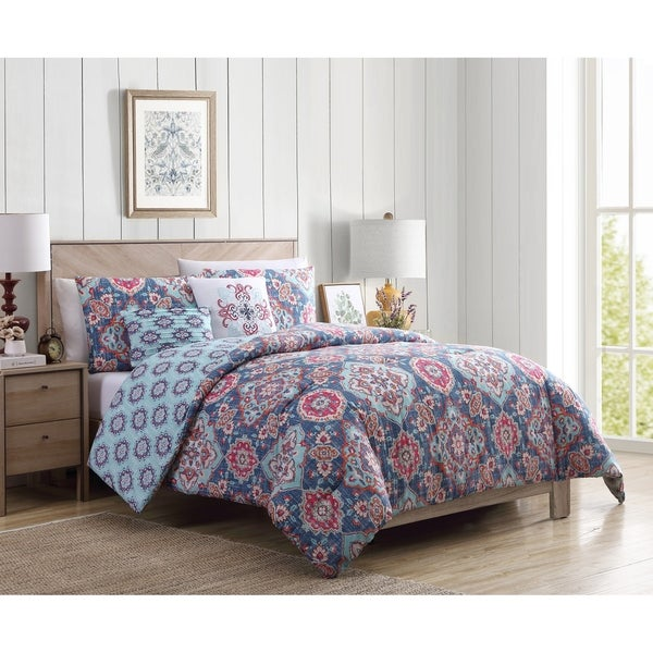 VCNY Home Riya Reversible Medallion Duvet Cover Set