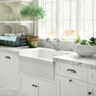 Link to Vintage III Plus single hole, single lever faucet with a pull-out spray head Similar Items in Faucets