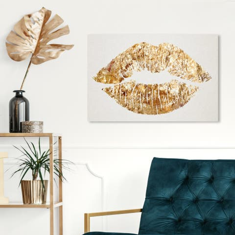 Oliver Gal 'Solid Kiss' Fashion and Glam Wall Art Canvas Print - Gold, White