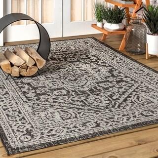 JONATHAN  Y Sinjuri Medallion Textured Weave Indoor/Outdoor Gray/Black Area Rug
